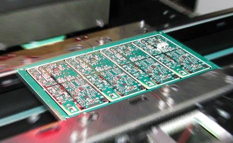 PCB montaggio dei componenti